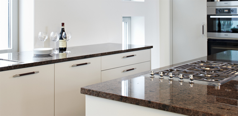 granite kitchen top by lundhs